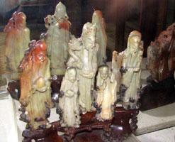 Фигурки из пирофиллита (Работа китайских камнерезов, XIX в.)