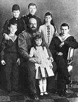 Александр III и Мария Федоровна с детьми